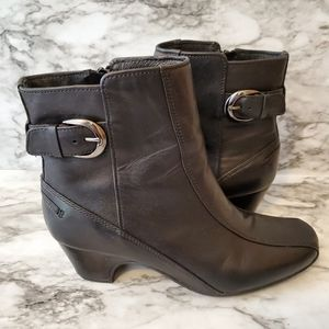 Clarks Artisan black leather ankle boots w/ buckle